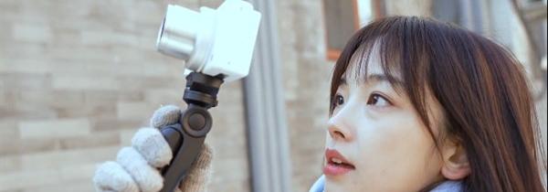 """""""最美央视女记者王冰冰"""" 同款Vlog相机--索尼ZV-1"""